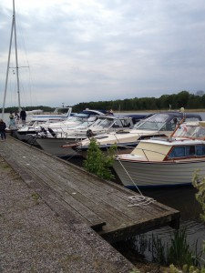 7 båtar var av en med pinne.